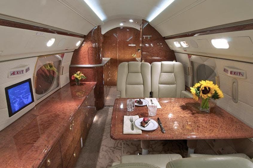 Gulfstream-GIV-PrivateFly-AA9815