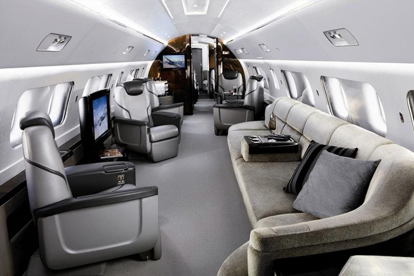 Embraer-Lineage-1000-PrivateFly-AA9679