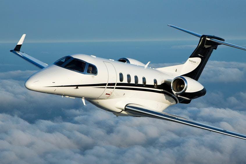 Embraer-Phenom-300-PrivateFly-AB1004