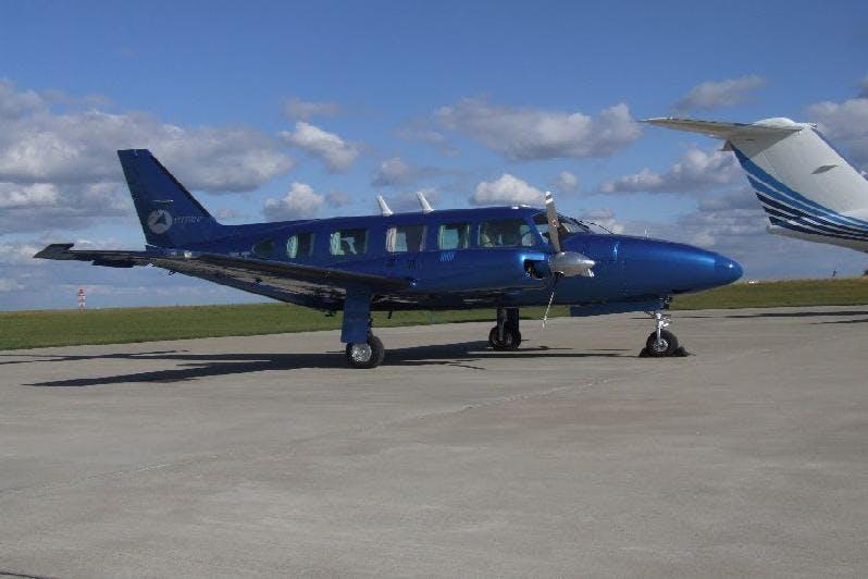 Piper Navajo flight to London