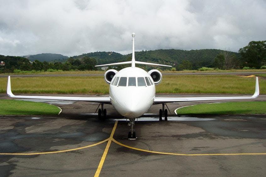 Falcon-2000LX-PrivateFly-AA9717