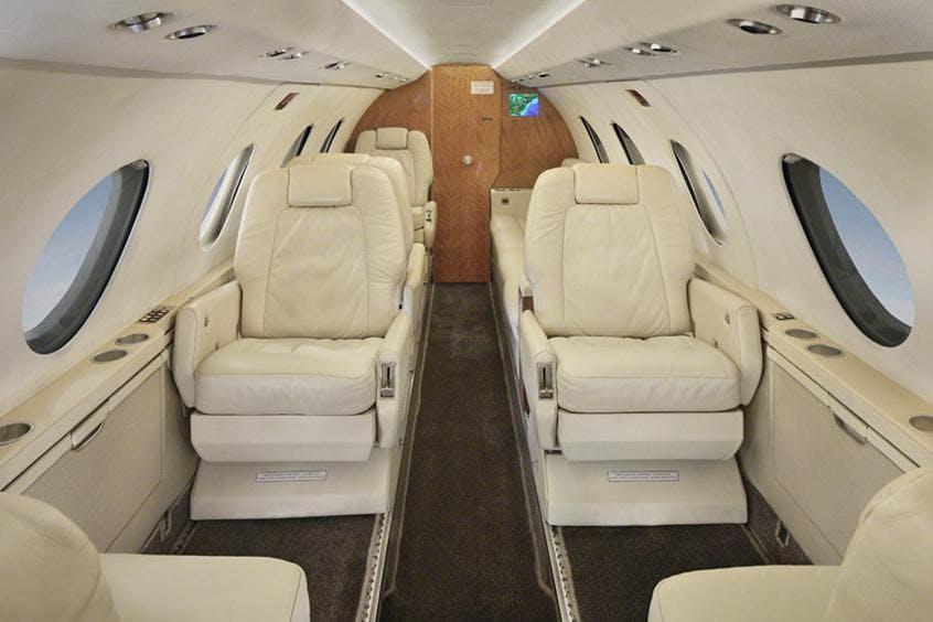 Falcon-20-200-PrivateFly-AA9868