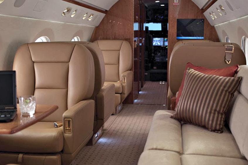 Gulfstream-G550-PrivateFly-AA9586