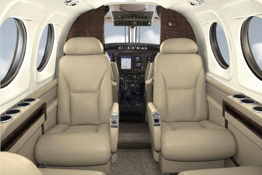 Beech-BE90-King-Air-PrivateFly-AB1108