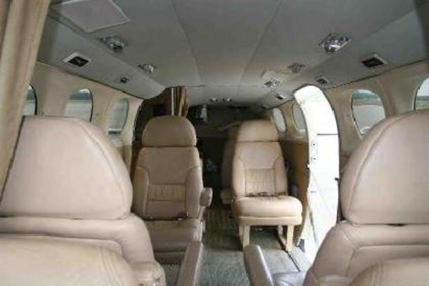 Cessna-C414-Chancellor-PrivateFly-CC-AA3430