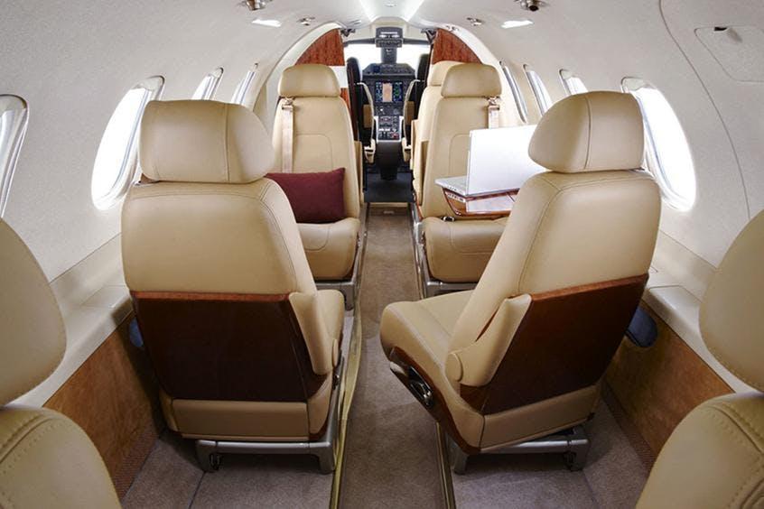 Embraer-Phenom-300-PrivateFly-AB1007