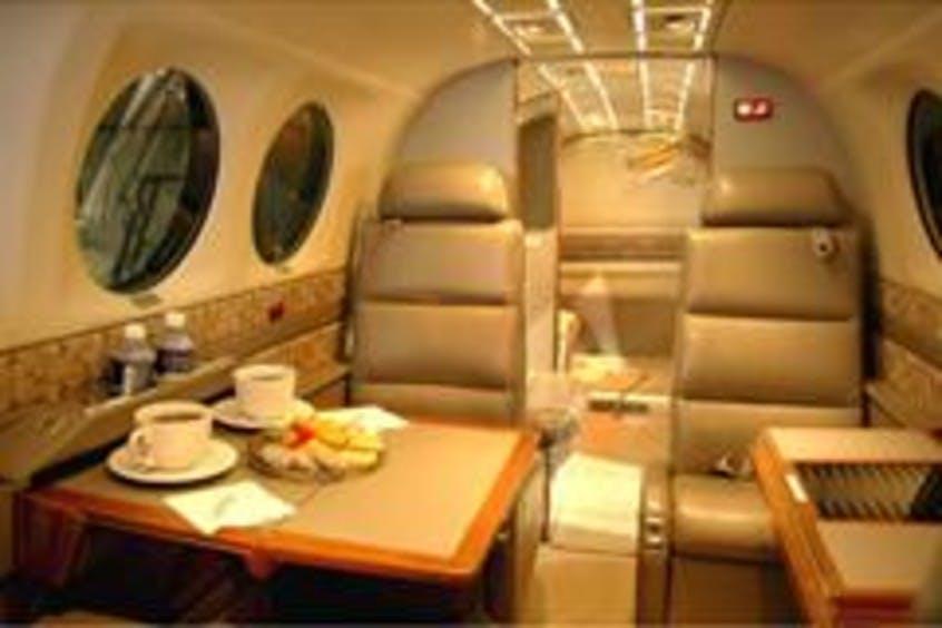 Beech-BE350-KingAir-PrivateFly-CC-AA2401