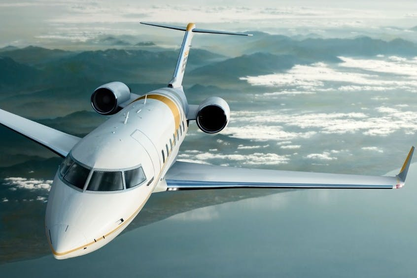 Challenger-650-PrivateFly-AB9915