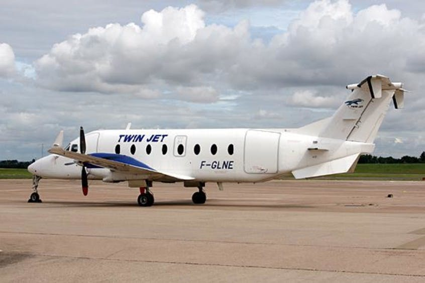 Beechcraft-1900-PrivateFly-AA1511