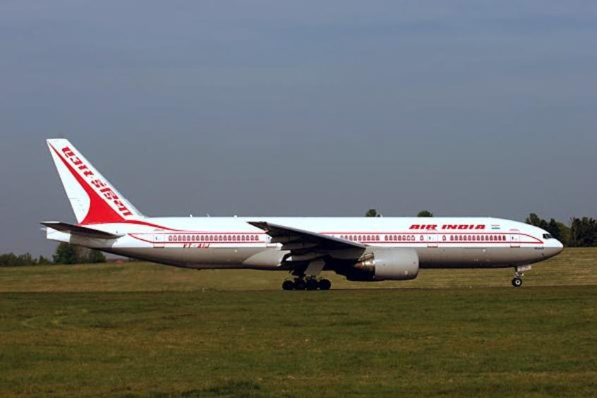 Boeing-777-200-200LR-PrivateFly-AA1579