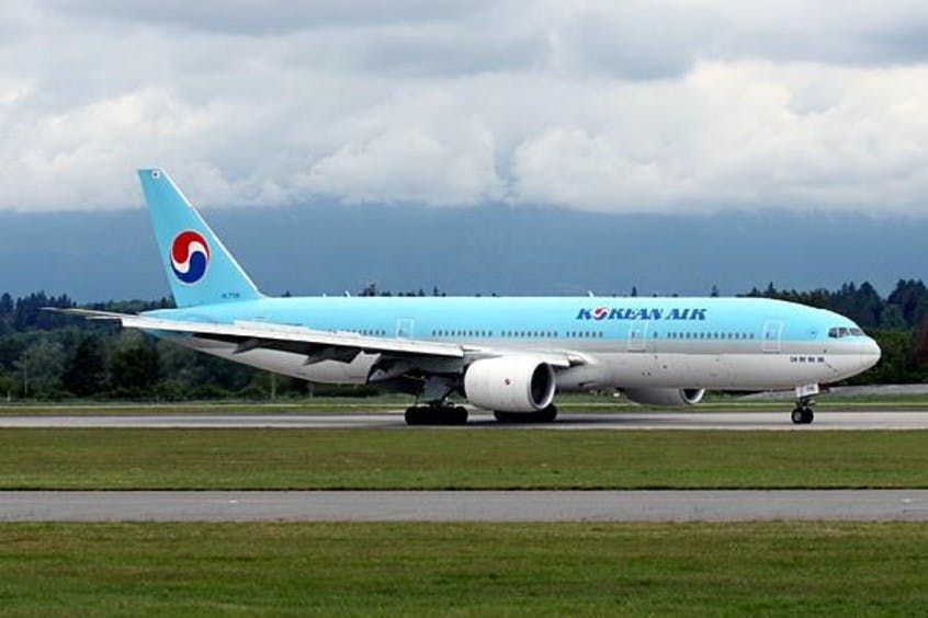 Boeing-777-200-200LR-PrivateFly-AA1662
