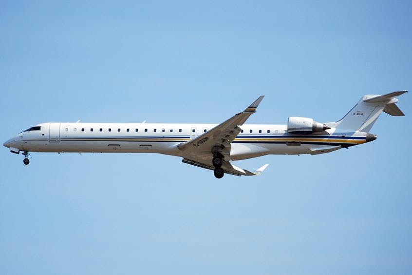 Challenger-890-PrivateFly-AA9674