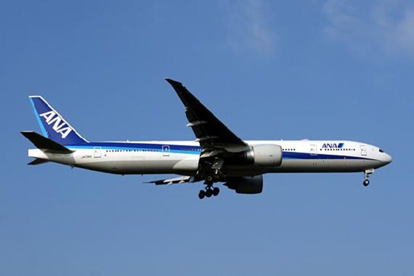 Boeing-777-300-PrivateFly-AA1686