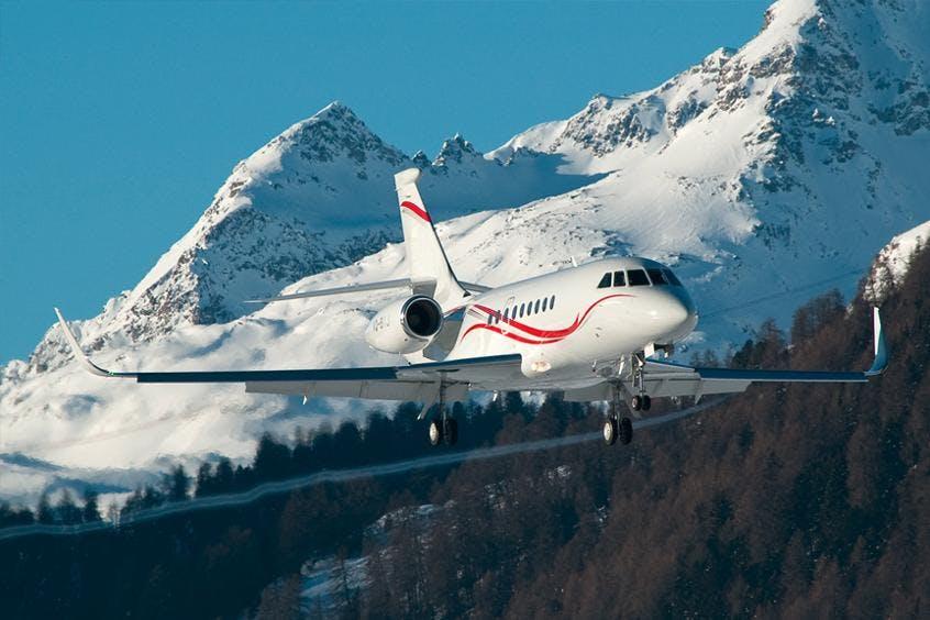 Falcon-2000LX-PrivateFly-AA9715