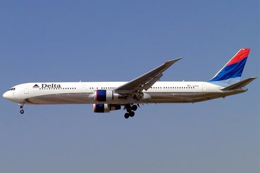 Boeing-767-400-PrivateFly-AA1672