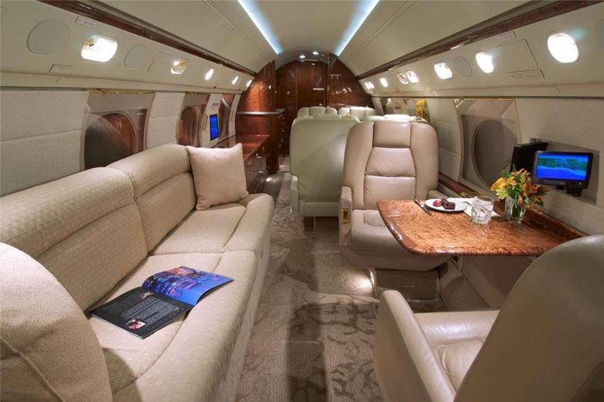 Gulfstream-GV-PrivateFly-AA9811
