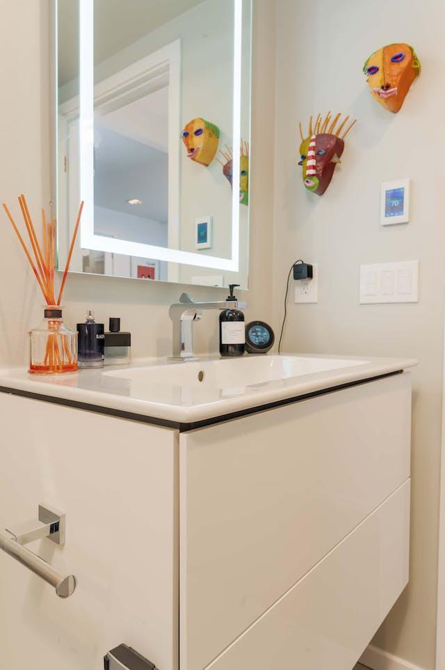 Queen Anne Bathroom Sink