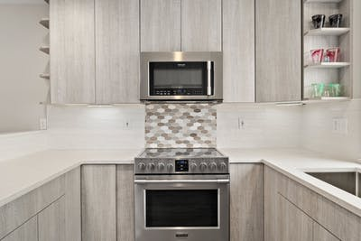 Edmonds townhome kitchen remodel backsplash