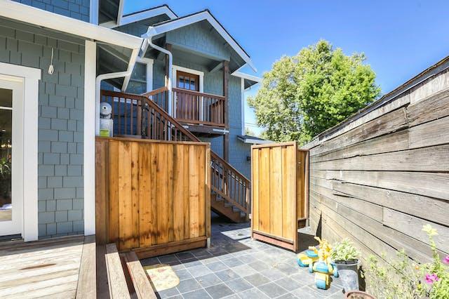 Burlingame addition exterior gate