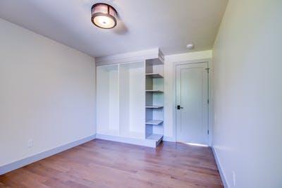 Hampden South bedroom entry