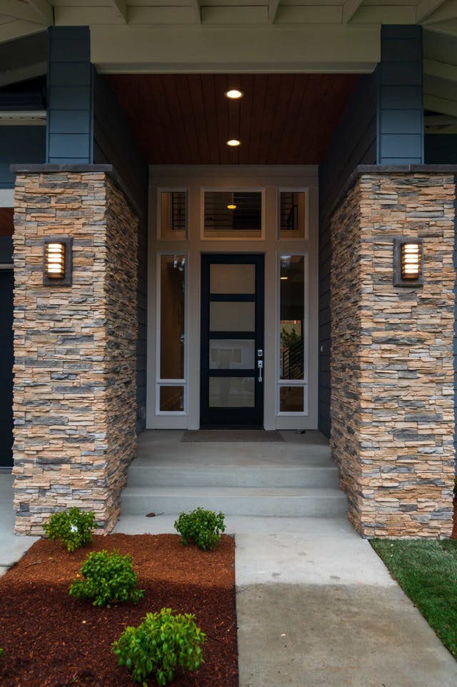 South Rose Hill New Home Construction – Entryway
