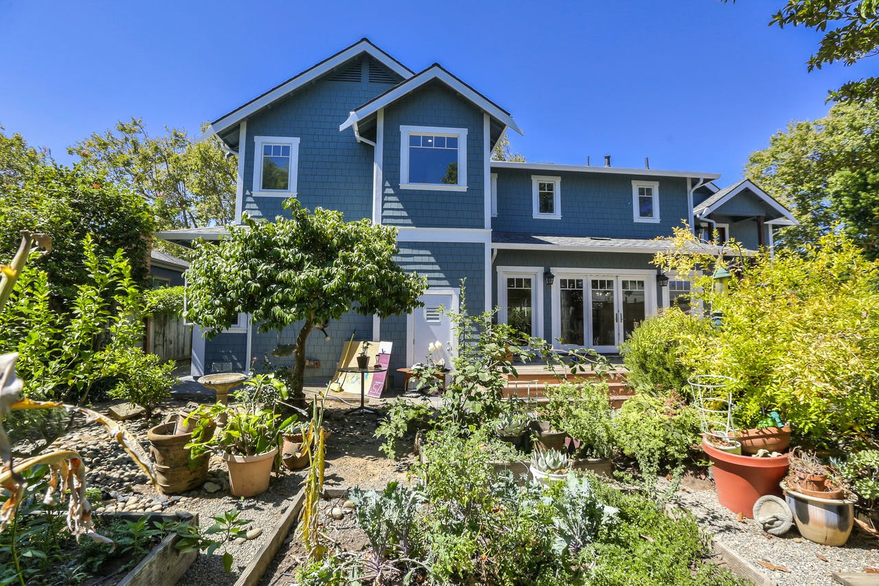 Burlingame addition exterior backyard