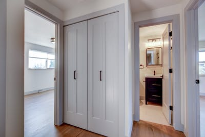 Hampden South hallway to bathroom