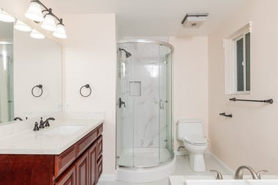 Bellevue addition bathroom