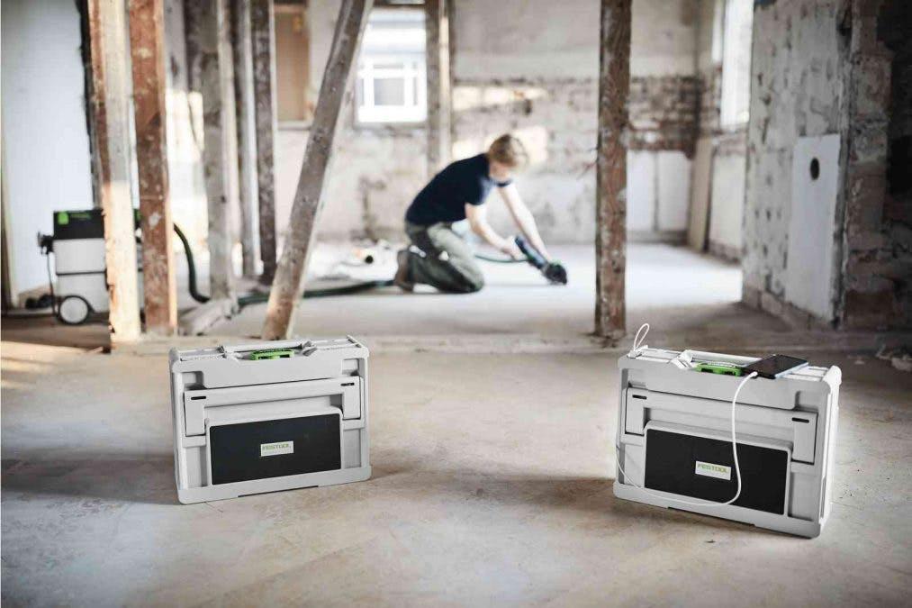 Två Festool Toprock kan kopplas ihop för stereoljud.