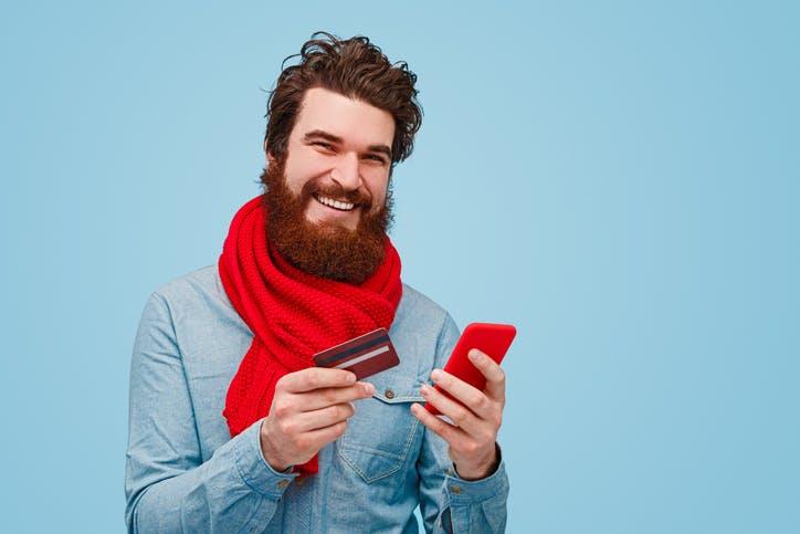 Imagem homem solicitando um crédito especial Claro