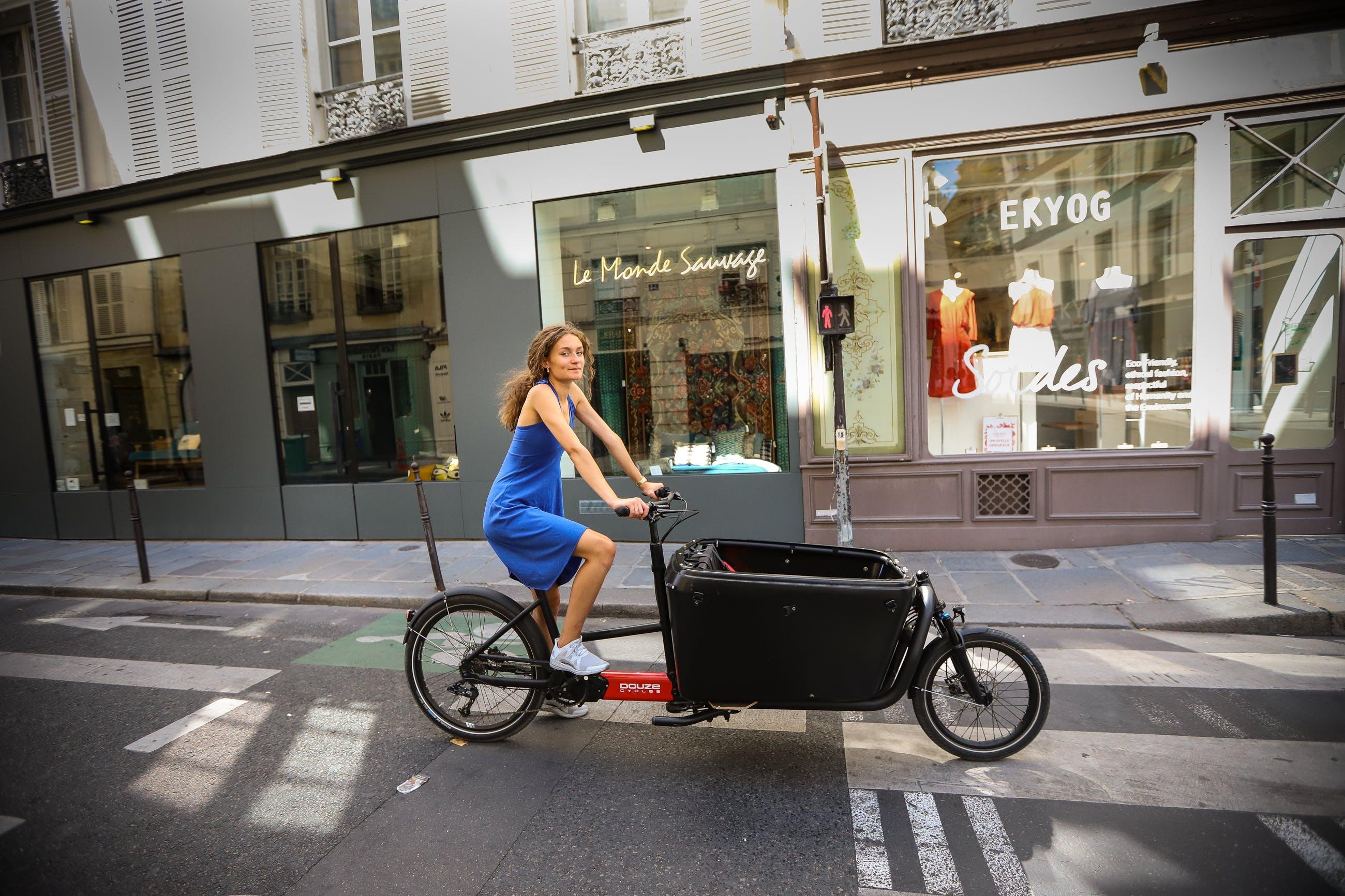 Belle à vélo