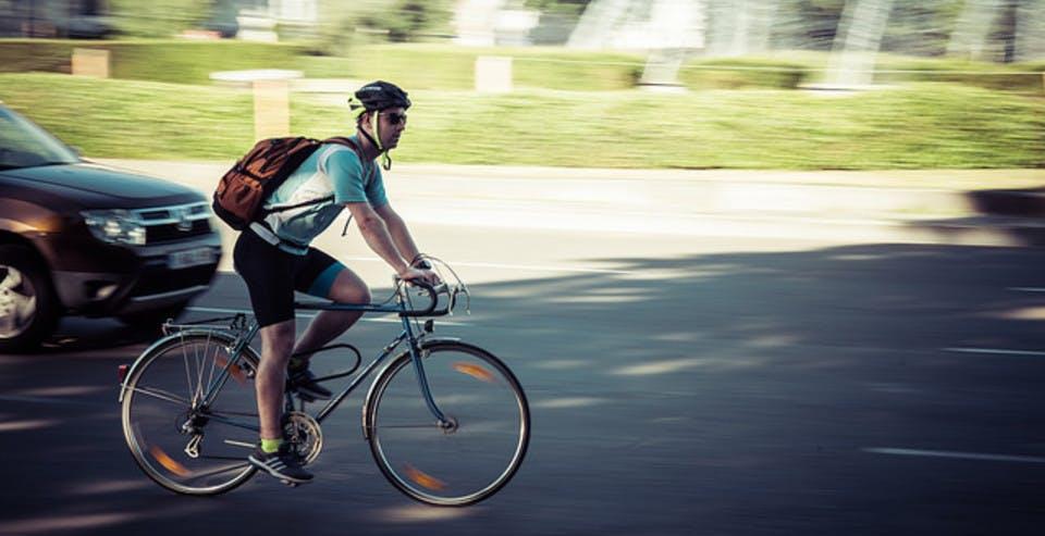 https://images.prismic.io/provelo/54fa99ff3e767e1e94a0d5e925f713c8128aaafc_pro_velo_bike_bicycle_safe_security_rapidity_healthy.jpg?auto=compress,format