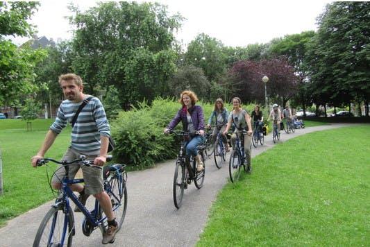 pro_velo_riding_bike_bicycle_tour