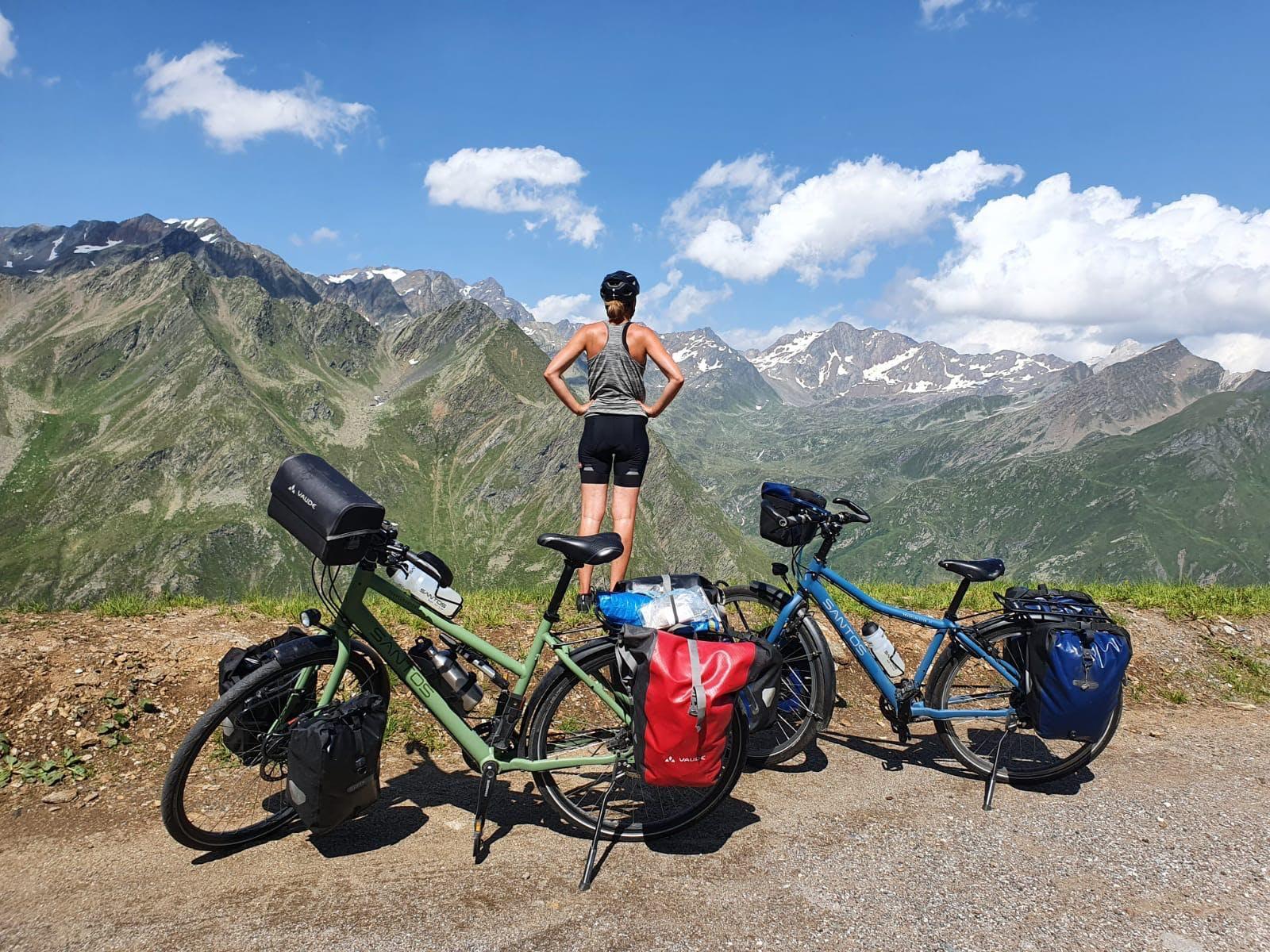 La vue spectaculaire sur le Timmelsjoch/Passo del Rombo
