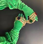 Le Passage_gants verts_bijoux
