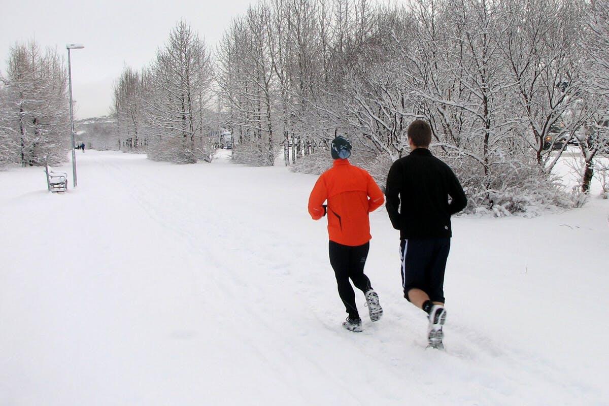 Beim Laufen im Schnee ist Vorsicht geboten