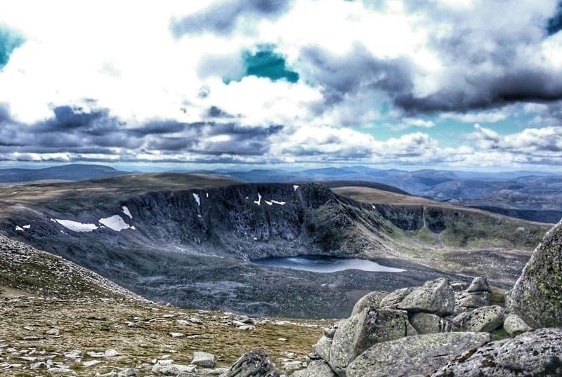 Am schottischen Berg Lochnagar wird man mit einem traumhaften Ausblick belohnt.