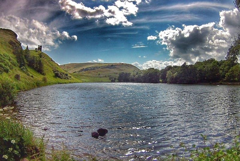 Einen Trailrun in Schottland beginnt man am besten in der Hauptstadt Edingburgh.