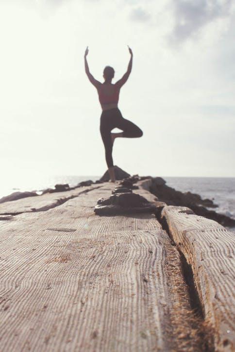 Yoga hilft Körper und Geist beim Entspannen.