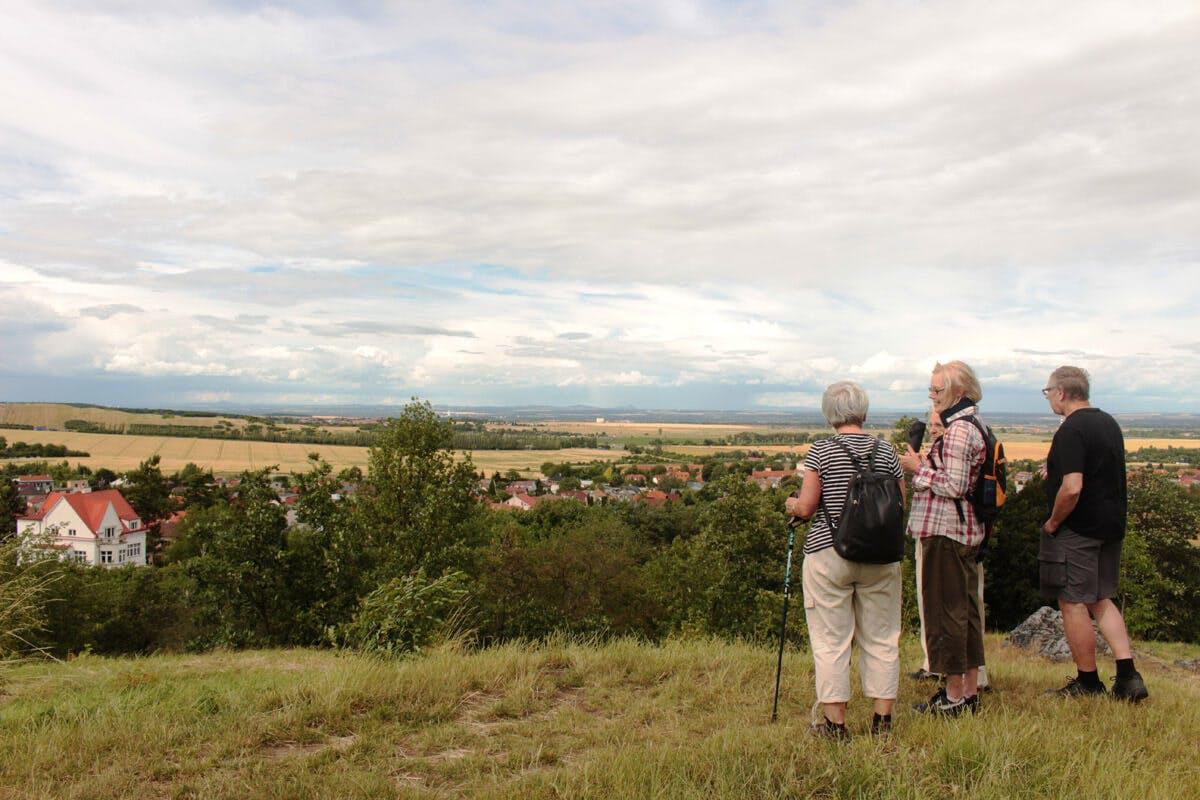 Im Alter fit und aktiv beim Wandern