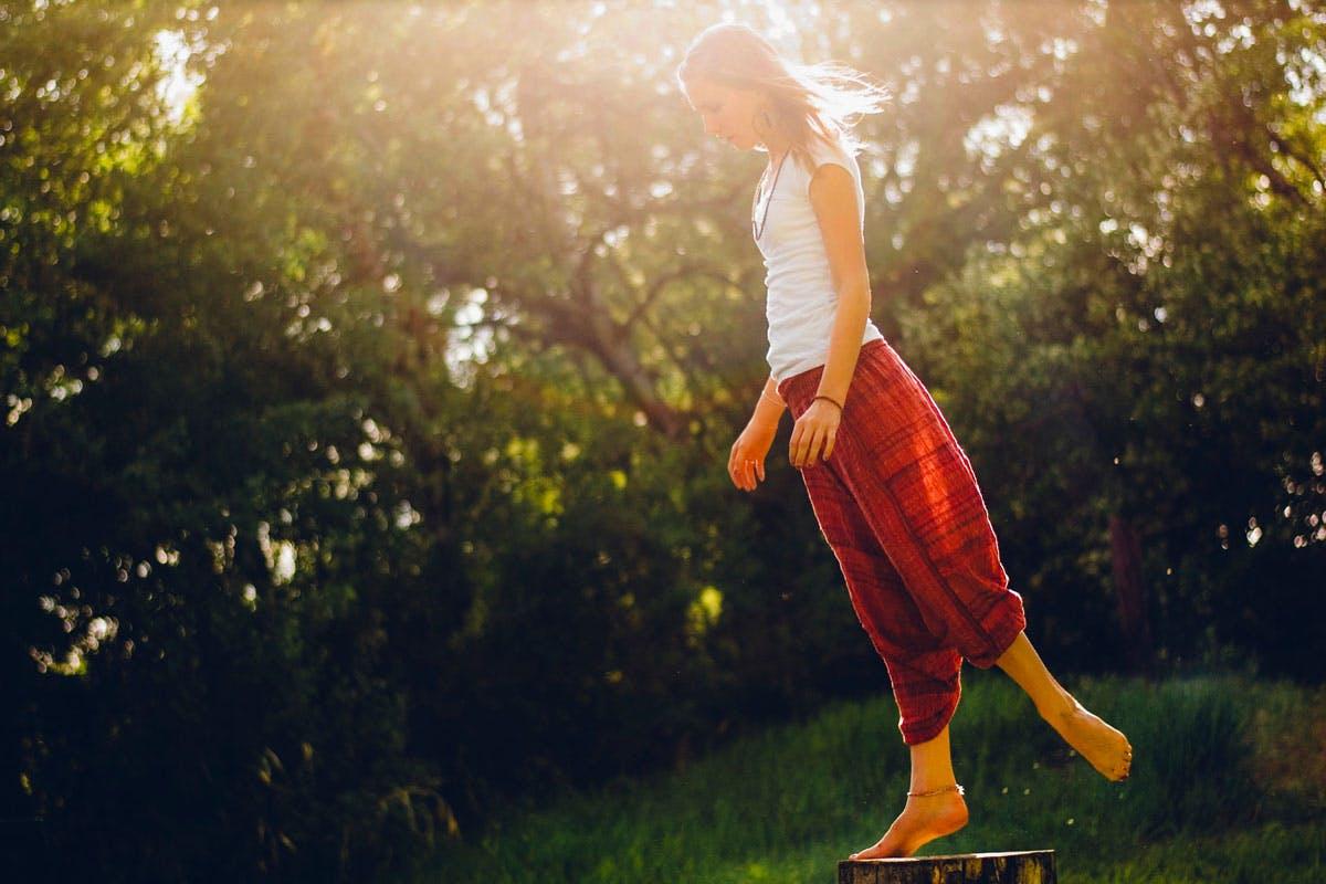 Frau in Balance
