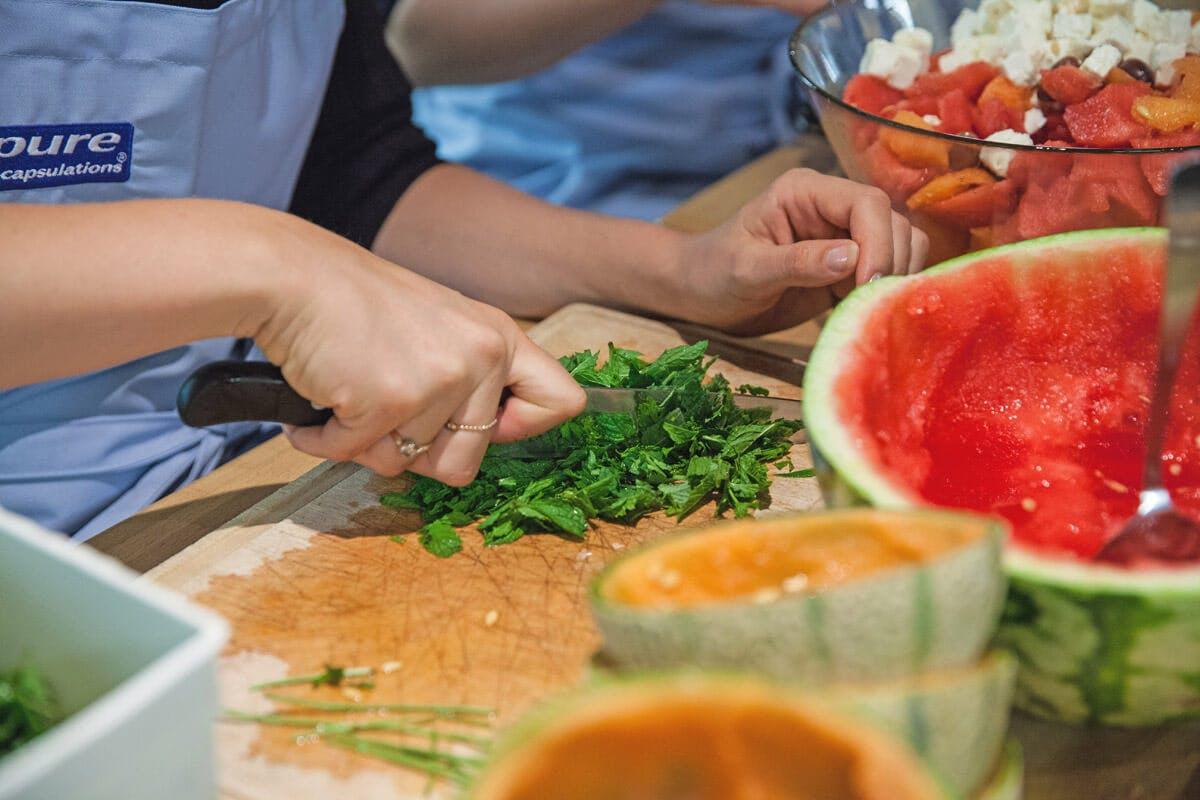 Selbst kochen und auf regionale und saisonale Zutaten setzen, macht sich bezahlt