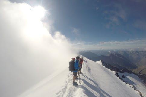 Bergtour im Nebel