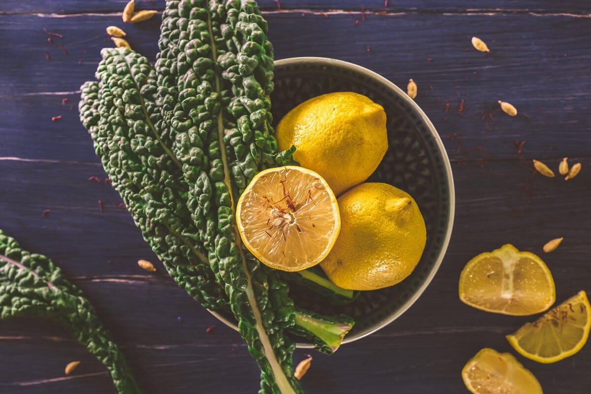 Zitrusfrüchte und Kohl haben einen hohen Vitamin C-Gehalt