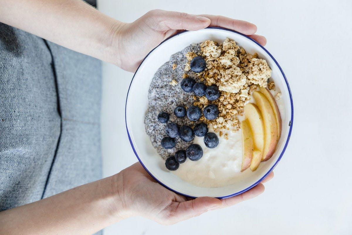 Ein ausgewogenes Frühstück vermeidet Heißhungerattacken im laufe des Vormittags.