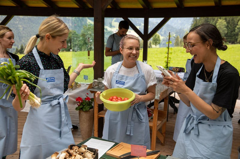Spaß beim Kochen am Pure & Beauty Weekend