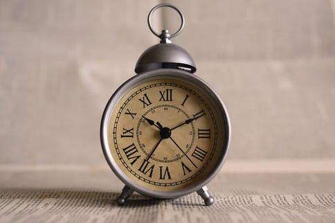 DIe Zeit vergeht, aber vor dem Altern muss man sich nicht fürchten