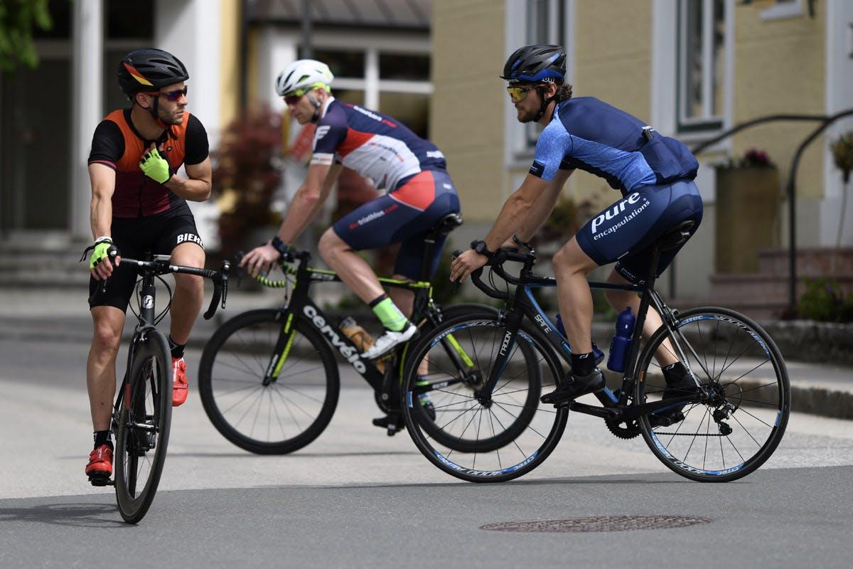 Triathloncamp Tagebuch Foto von drei Radlern