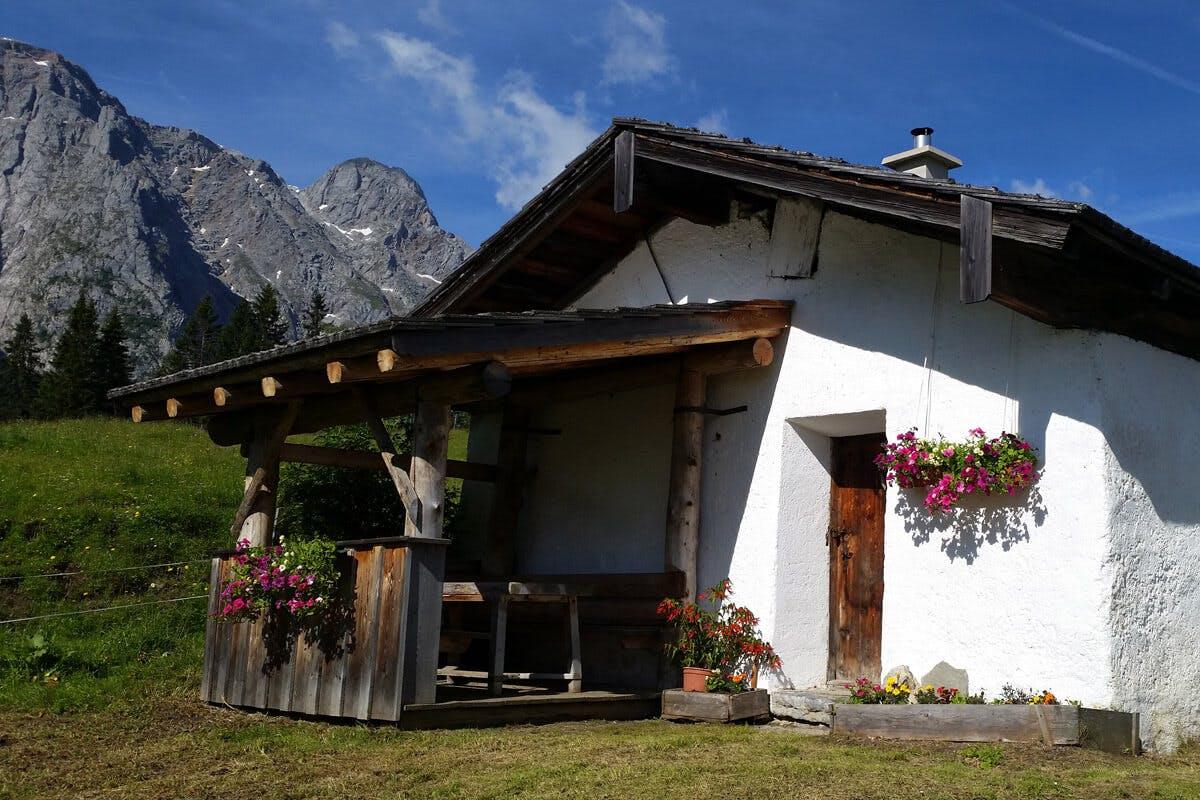 Die Ostpreußenhütte befindet sich in Werfen.