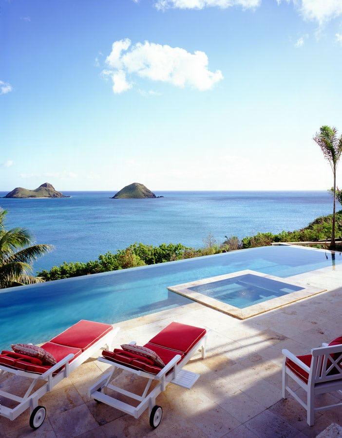 Ocean pool and view.